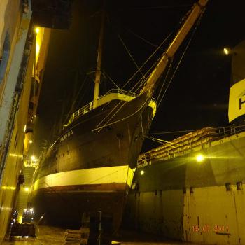 SS Peking im Dockschiff