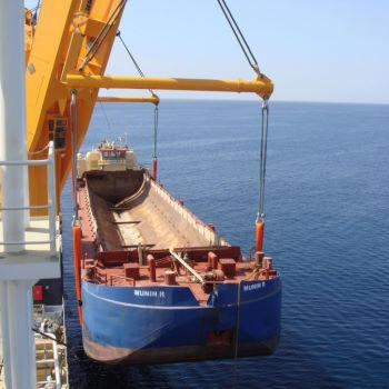 Lifting chute in Yemen